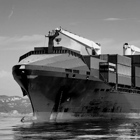 What Is Better Air Shipment or Sea Shipment? Pros and Cons