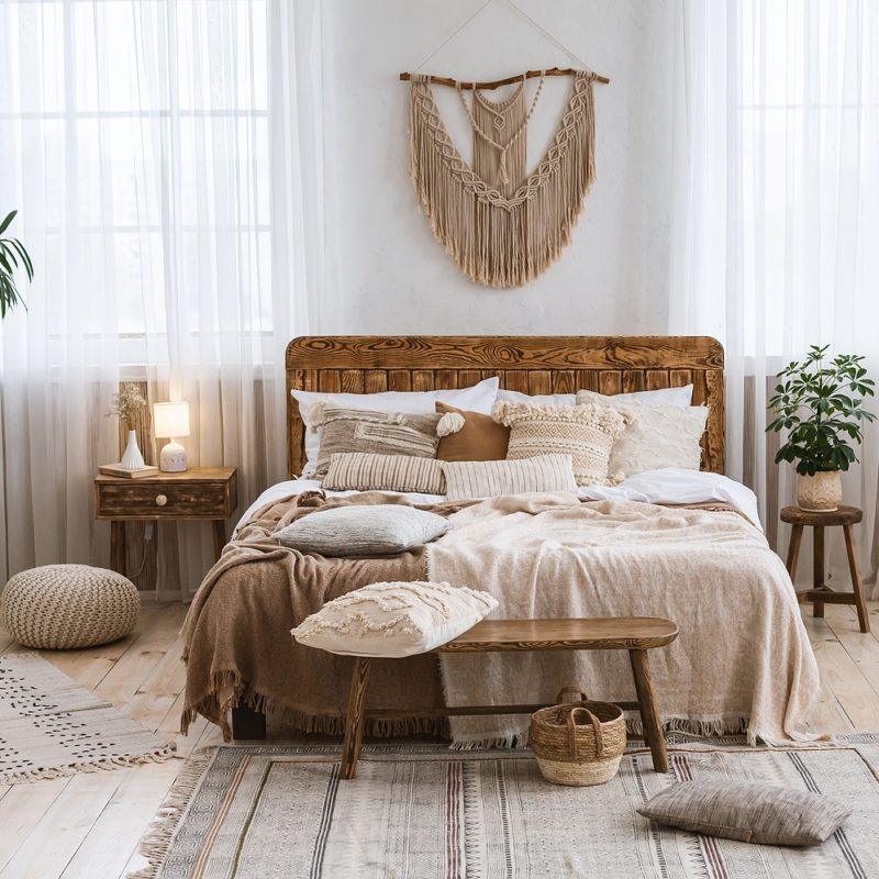 How to Choose Vintage Furniture & Home Decor
