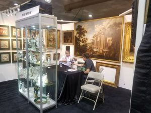 Fine Art Shippers booth
