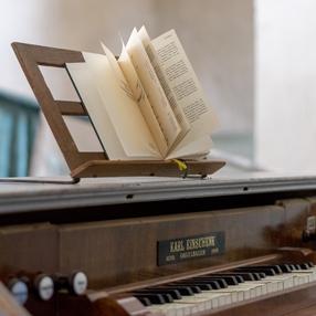 shipping pianos