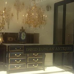 Moving antiques; David Duncan Antiques