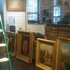 Art crating and shipping services