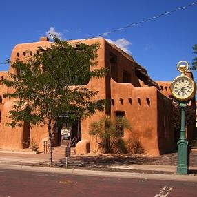 Art delivery service in Santa Fe