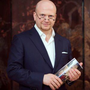 Gregory Baltser – Antique Expert, Collector & Decorator