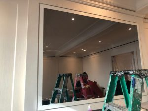 Local Art Transportation: High-End Mirrors & Lighting