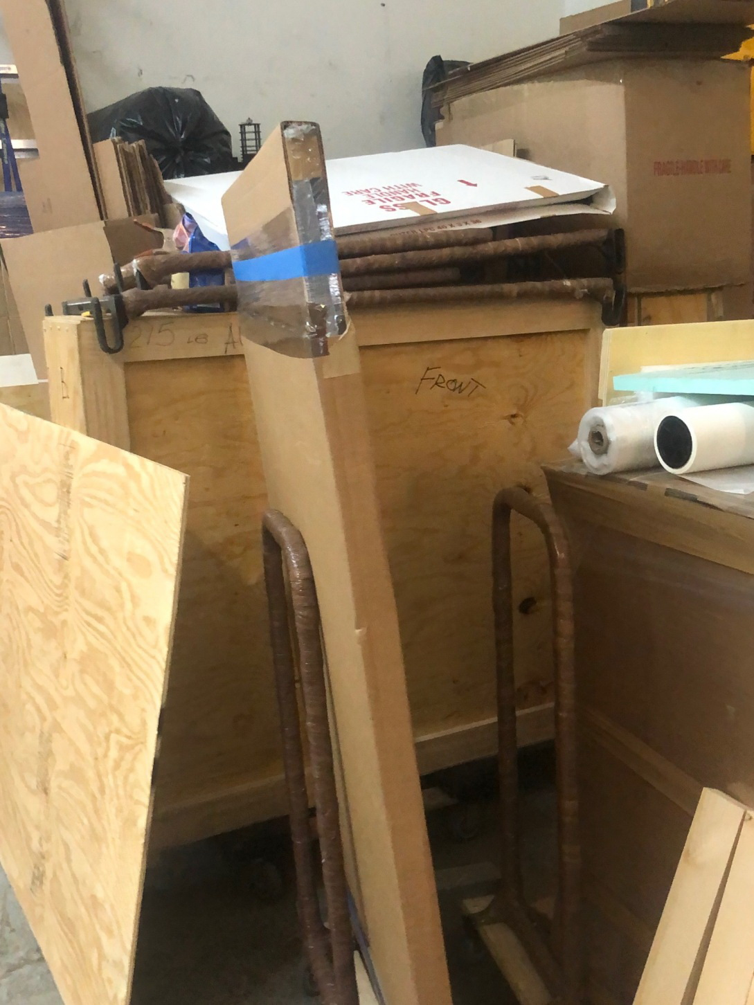 Art packing and crating