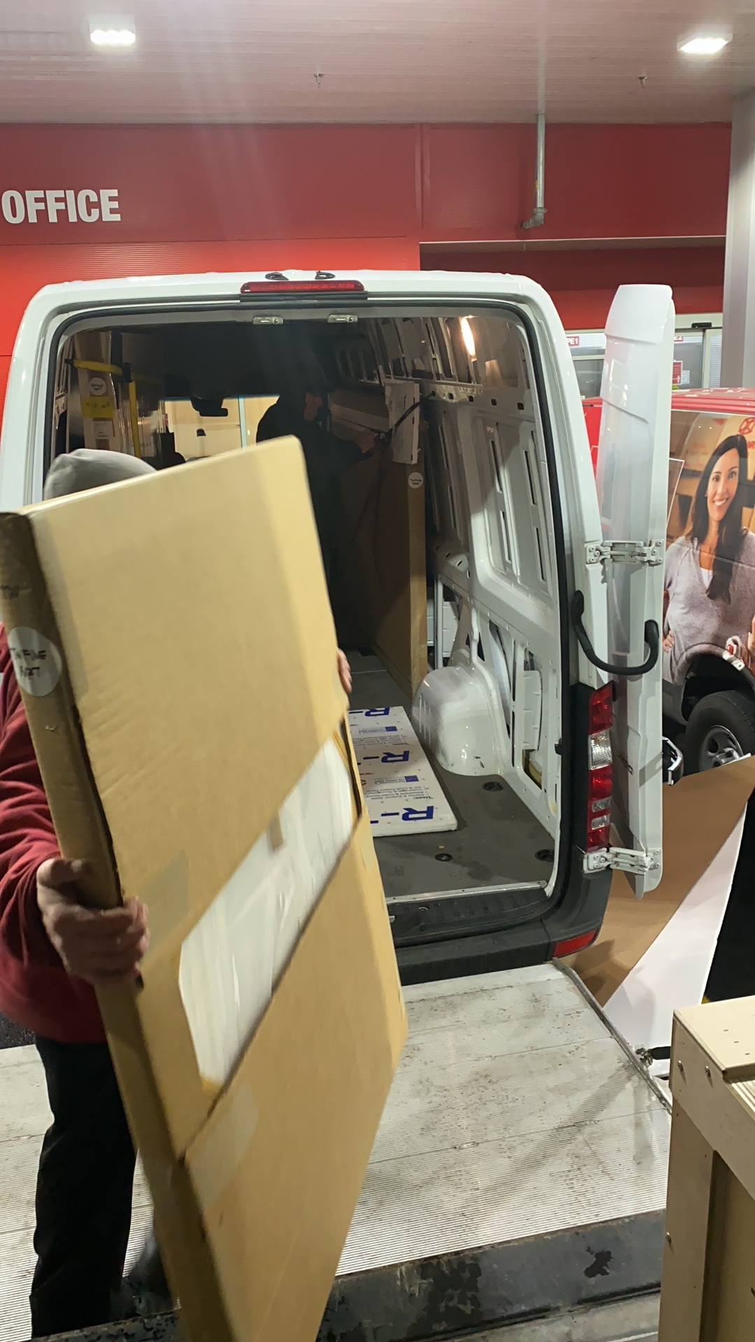 Gallery and auction delivery services