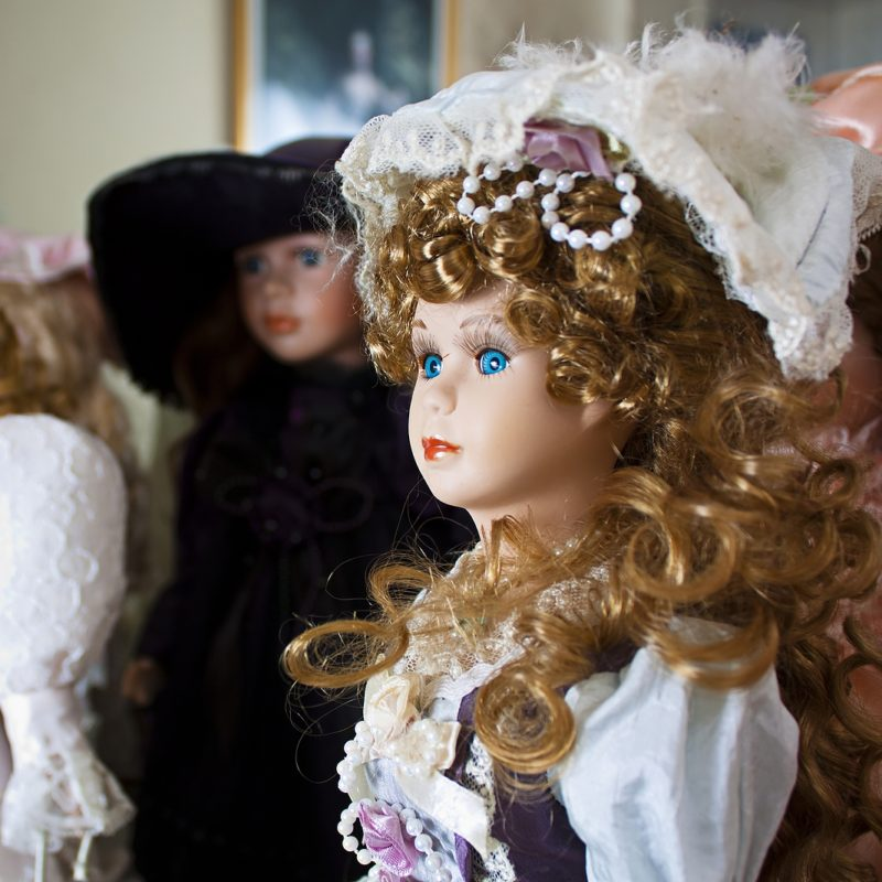 What Determines the Value of Porcelain Dolls?