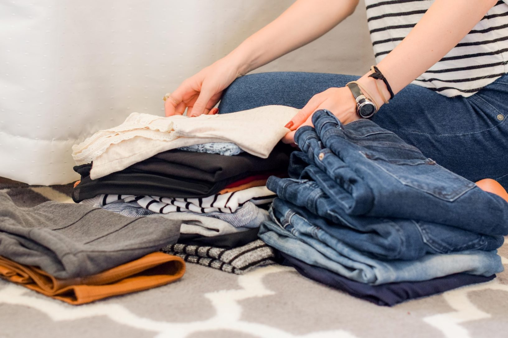 How to Properly Declutter and Make Your Home More Organized