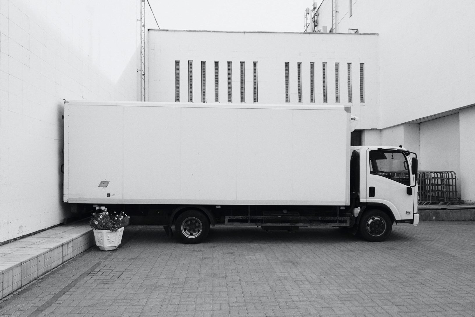 Need to Move Your Artworks? Here's How to Choose a Moving Company