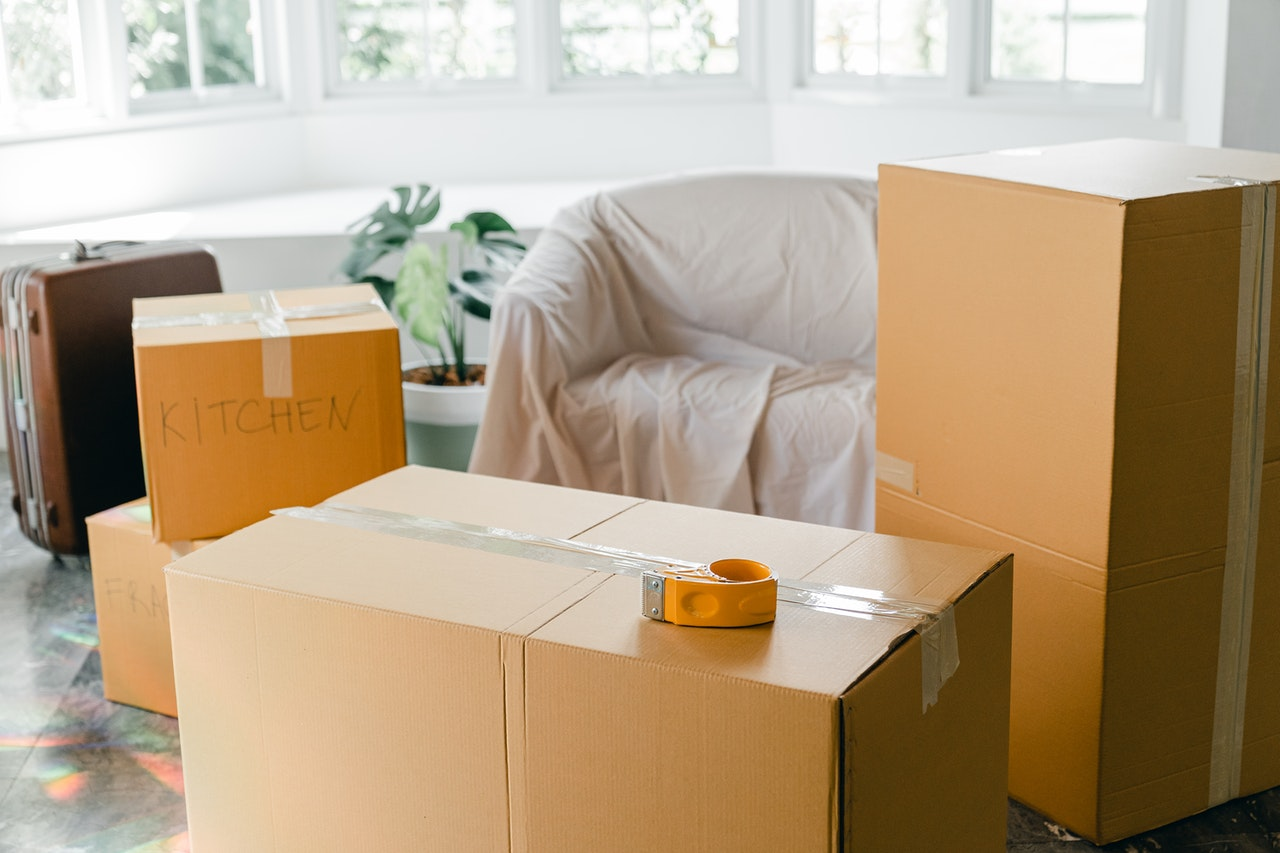 How to Decide Between a Flatrate Moving Service and Hourly Movers